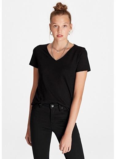 Mavi Kadın  V Yaka Basic Tişört 168260-900 Siyah